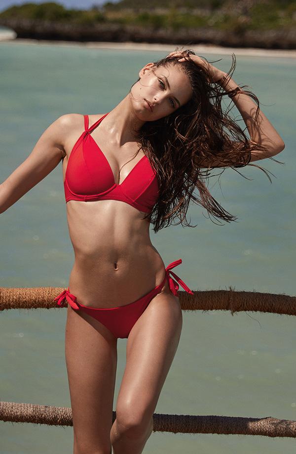 bikini femme